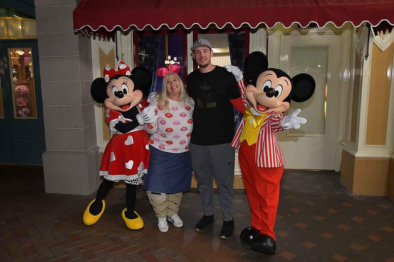 Disneyland After Dark Sweethearts Mickey and Minnie